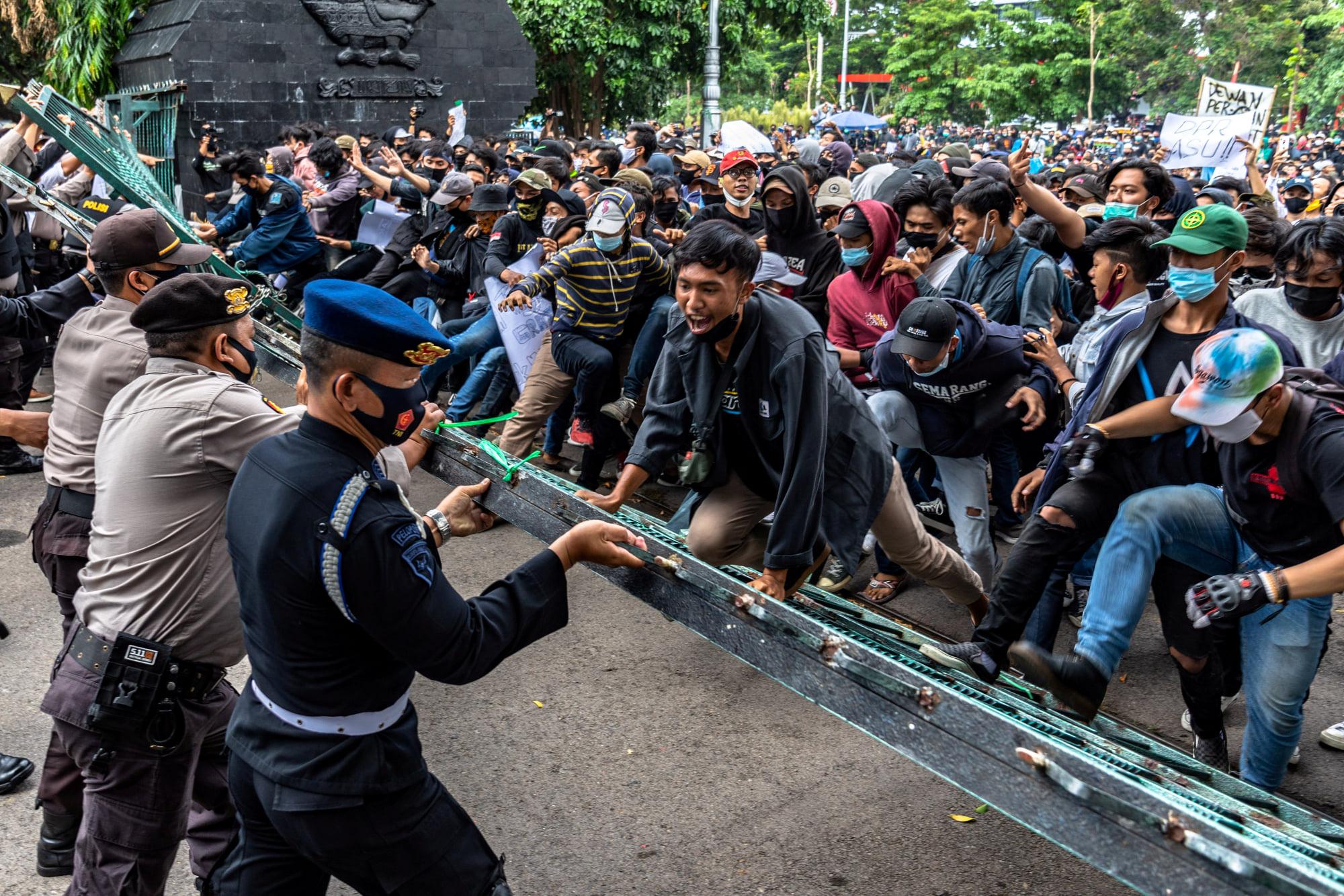 Indonesia: Một bảng đánh giá các cuộc biểu tình phản đối Luật Omnibus